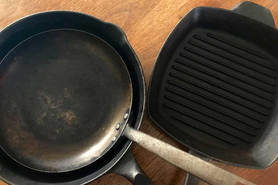 愛用している鉄鍋、フライパンたち【写真:小田島勢子】
