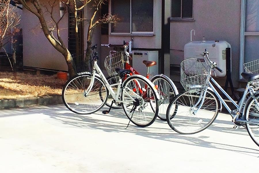 新学期から自転車通学を始める中高生もいるのでは【写真:写真AC】