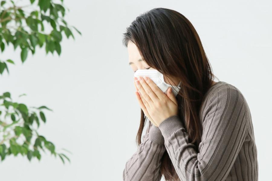 まだまだ寒い日もあるが花粉症が気になる日も【写真:写真AC】