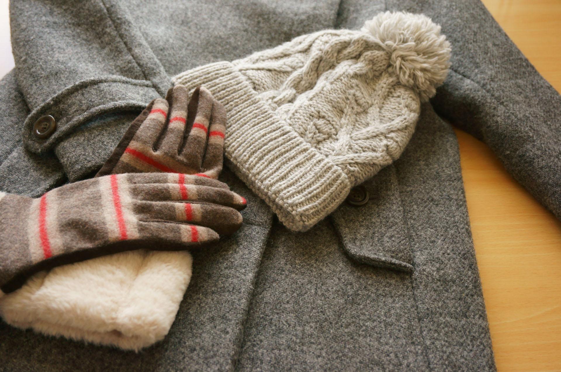 冬物衣類には意外に汗や皮脂がついてることも【写真:写真AC】