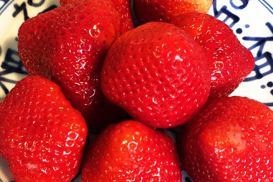 薬膳では体の潤いを補う食材とされるイチゴ【写真:村上華子】