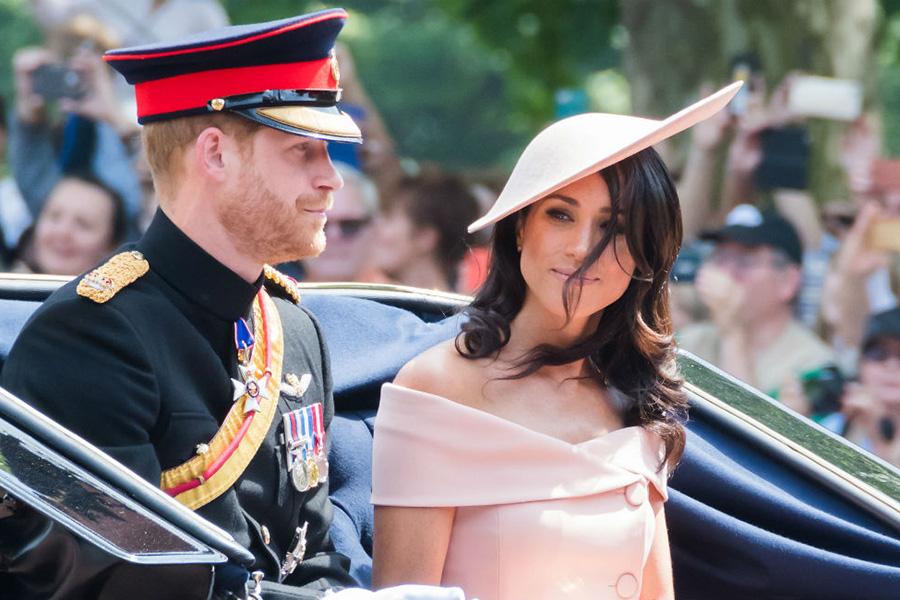 去年のトゥルーピング・ザ・カラーに参加した際のヘンリー王子とメーガン妃【写真提供:BANG SHOWBIZ】