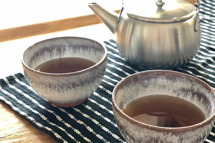 はとむぎ茶と黒豆茶を使った薬膳茶【写真:村上華子】