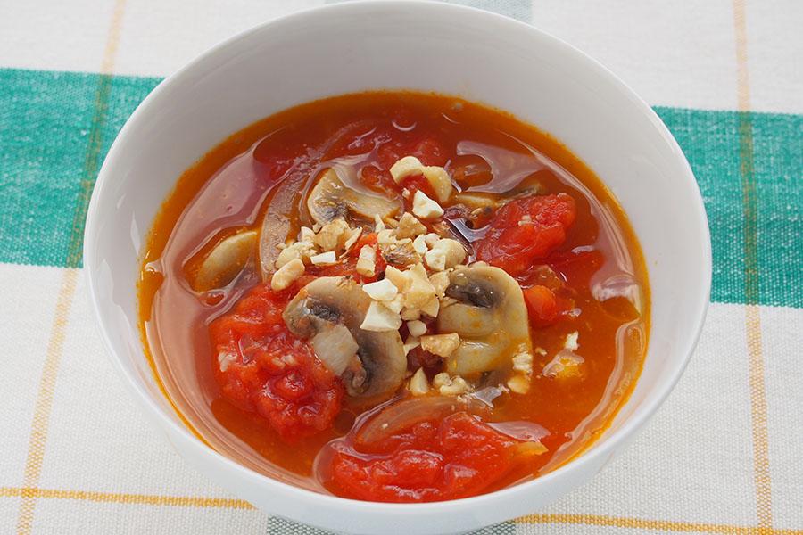とろとろトマトのスープ【写真:市川千佐子】
