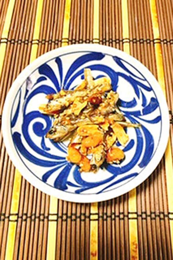 松山の郷土料理「マドンナ揚げ」。おやつ感覚でもいけるおいしい甘辛味【写真:公益社団法人松山市シルバー人材センター】