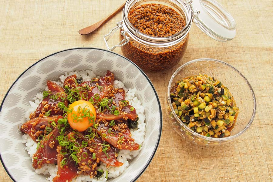 自家製しょうゆ麹で作ったアレンジ料理【写真:市川千佐子】