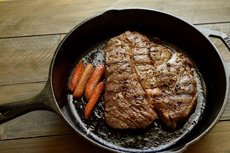 家庭でジューシーに焼きたいステーキ(写真はイメージです)【写真:写真AC】