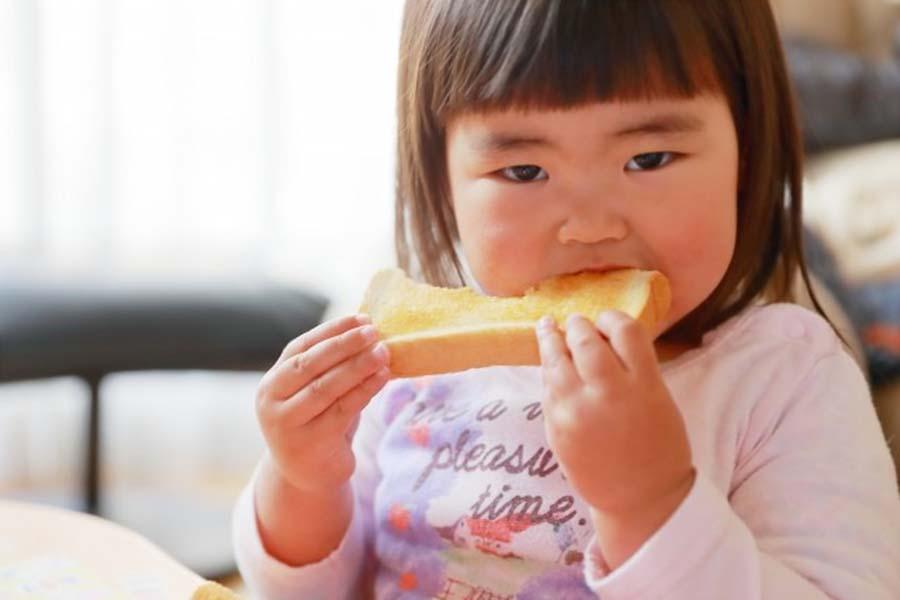 子どもの朝食(写真はイメージです)【写真:写真AC】