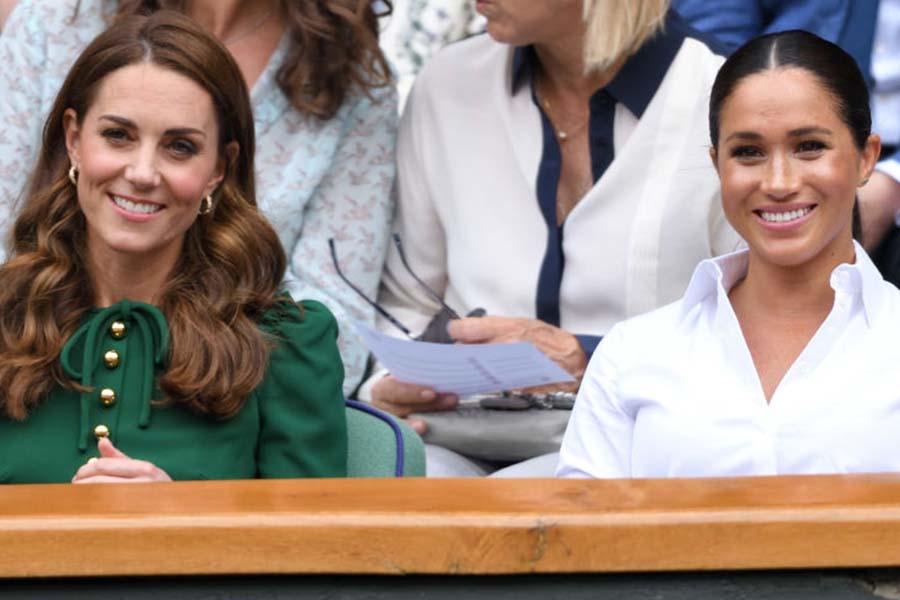 ウィンブルドン選手権を一緒に観戦するキャサリン妃とメーガン妃【写真:Getty Images】