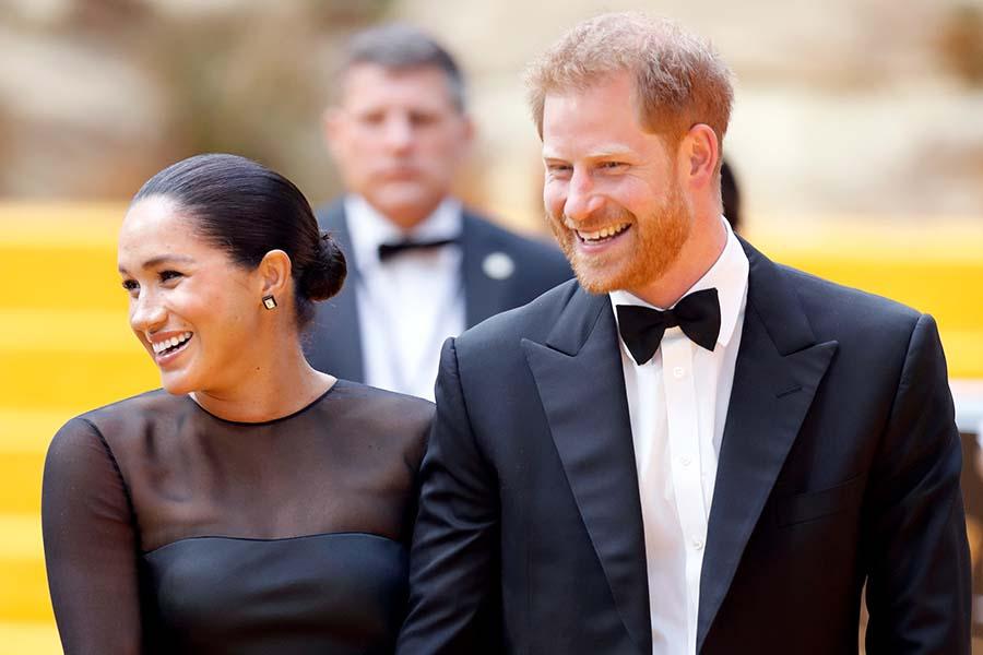 「ライオン・キング」のプレミアに登場したメーガン妃とヘンリー王子【写真:Getty Images】