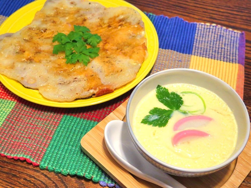 「蒸し雑煮」(右)と「もちもちレンコンチーズ」(左)【写真:和栗恵】