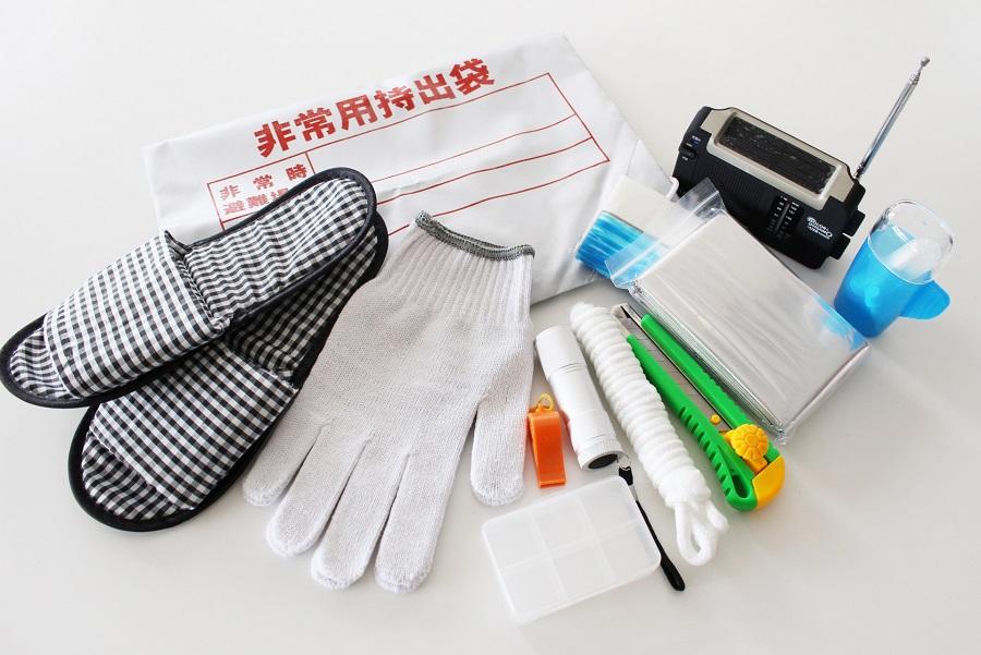 非常用袋は、中身を揃えたら日頃の「保管場所」にも注意(写真はイメージ)【写真:写真AC】