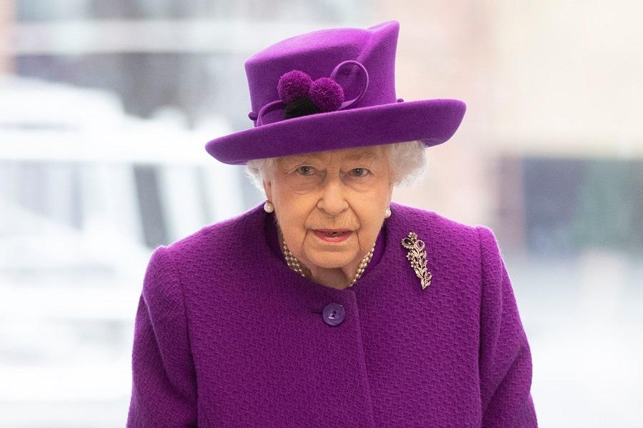 現地時間19日に公務に現れたエリザベス女王【写真:Getty Images】