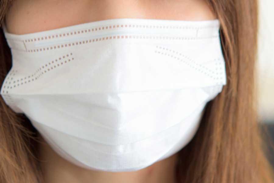 「すっぴんマスクで挨拶したら知人に気付かれなかった」失敗談も 30~40代女性がマスクで隠しているものとは?