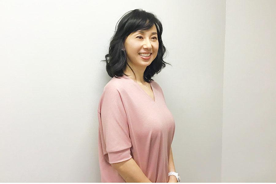 3児の母・東尾理子さんは自らも伸び伸びとにぎやかに育ったという【写真:Hint-Pot編集部】