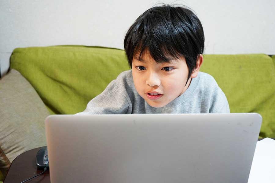新型コロナ禍で注目が集まる「子どもの自宅学習」(写真はイメージ)【写真:写真AC】