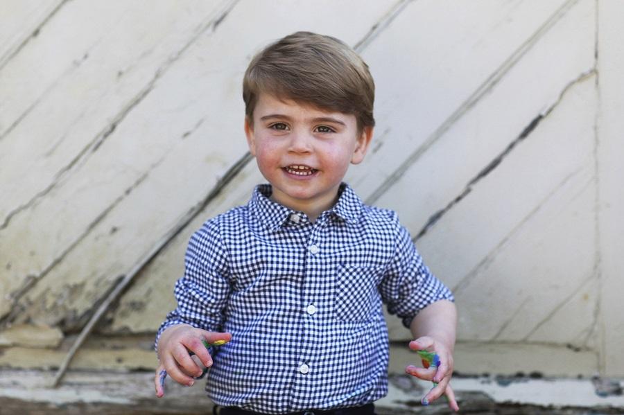 23日に2歳の誕生日を迎えたルイ王子。写真はキャサリン妃自ら撮影した【写真:AP】