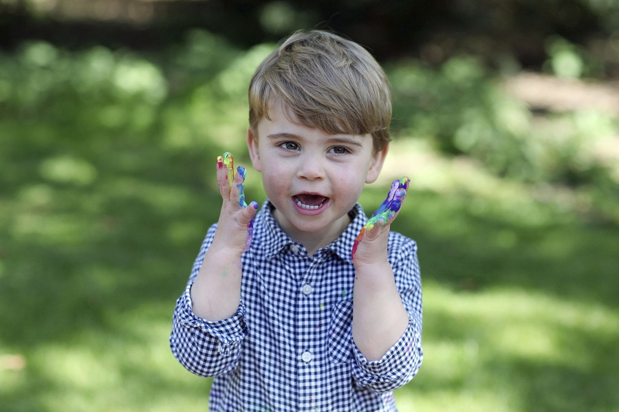 23日に2歳の誕生日を迎えたルイ王子。写真はキャサリン妃が自ら撮影した【写真:AP】