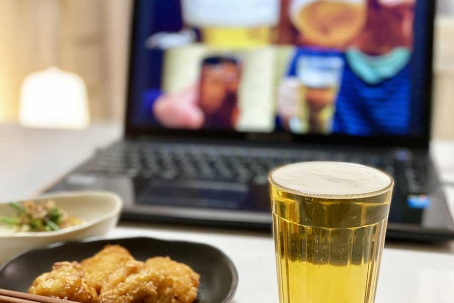 【#今こそひとつに】オンライン飲み会 家だからとついやってしまう「悪酔い」する飲み癖