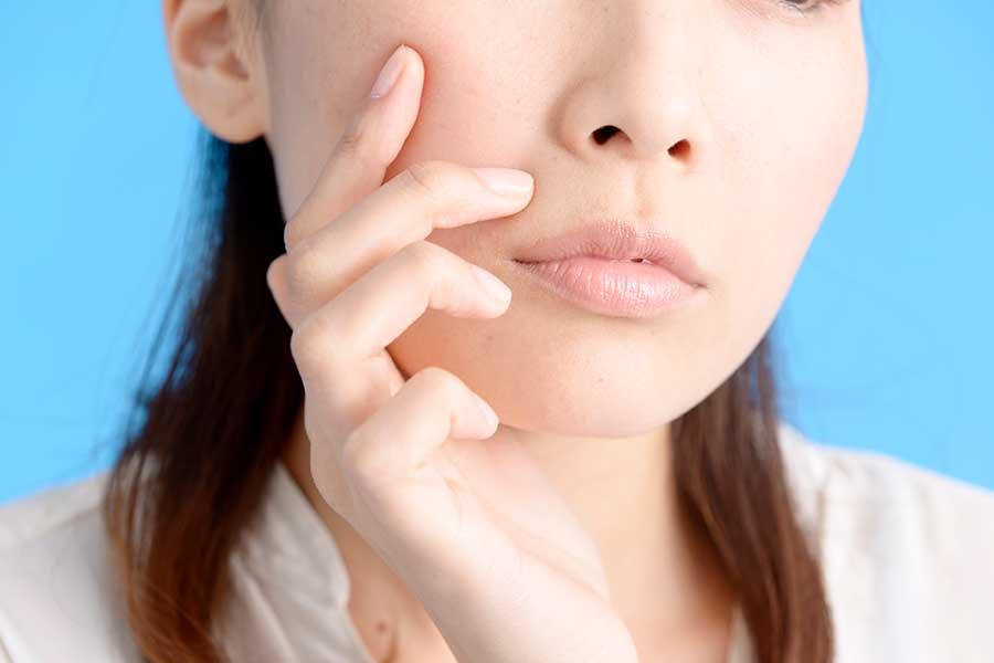 """【#今こそひとつに】""""マスク汗あれスパイラル""""に要注意! 顔の肌トラブル急増の原因と対策を皮膚科医が解説"""