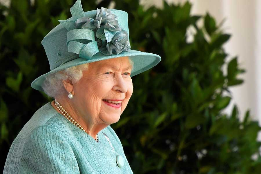 エリザベス女王【写真:AP】