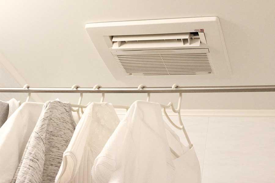 便利な浴室乾燥機。うまく使えば洗濯の効率もアップ(写真はイメージ)【写真:写真AC】