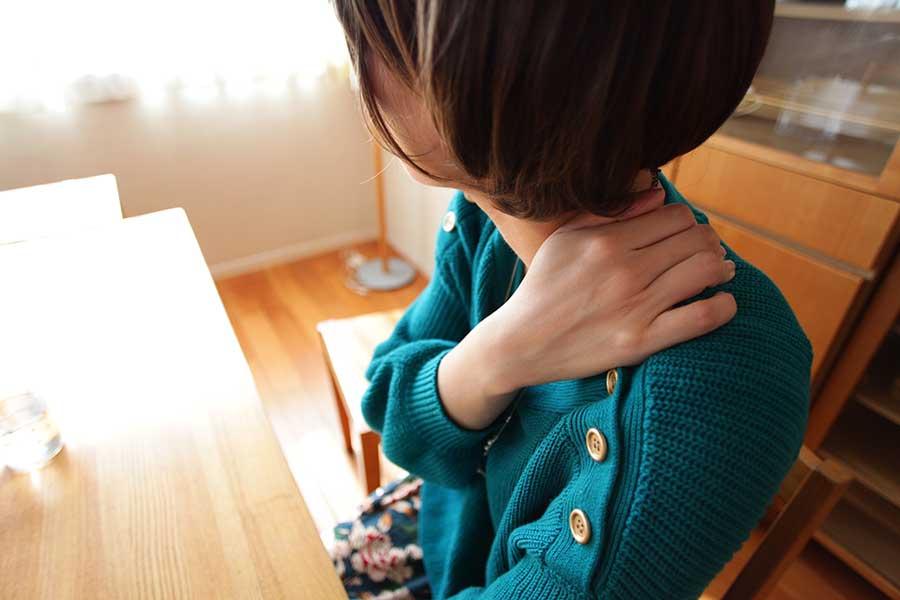 在宅ワークで身体のトラブルに悩む女性が増加中(写真はイメージ)【写真:写真AC】