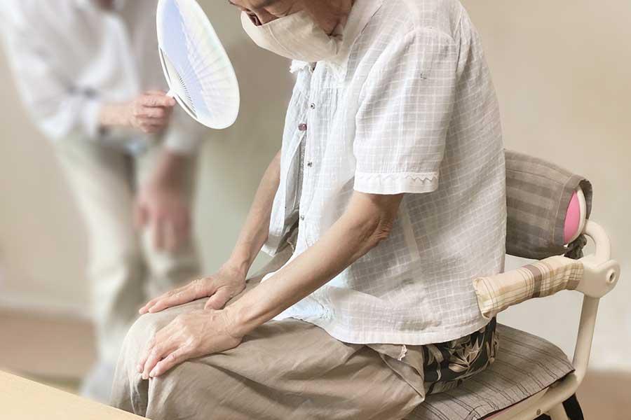 外出自粛に伴う体力の低下や自宅での熱中症に注意(写真はイメージ)【写真:写真AC】