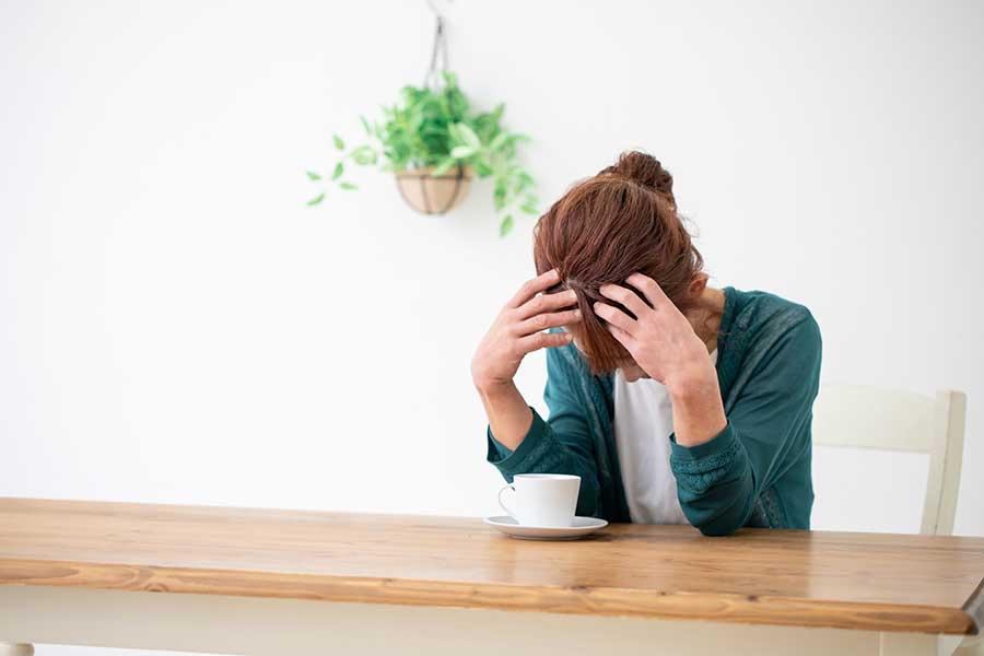 老後の不安は、性別や年齢に関係なく付きまとう(写真はイメージ)【写真:写真AC】