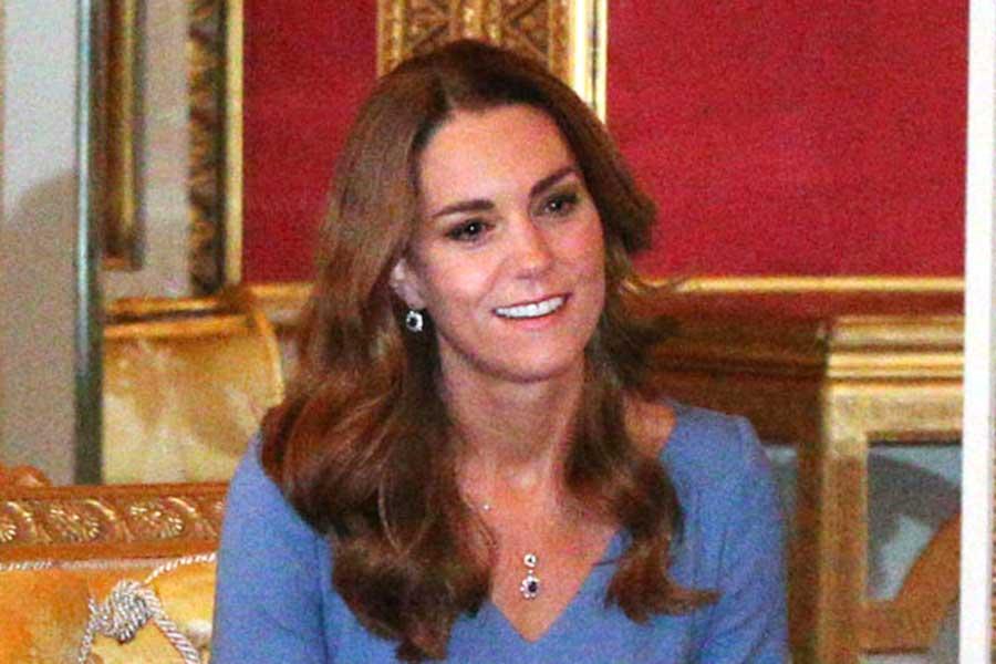 バッキンガム宮殿での公務に臨んだキャサリン妃【写真:AP】