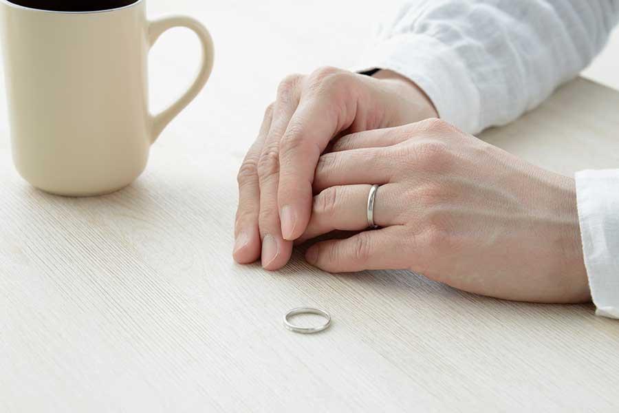 「不倫されたら離婚する」、考える人は多いけれど……(写真はイメージ)【写真:写真AC】