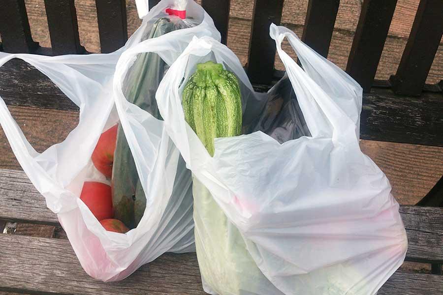 レジ袋の有料化が与えた影響とは?(写真はイメージ)【写真:写真AC】