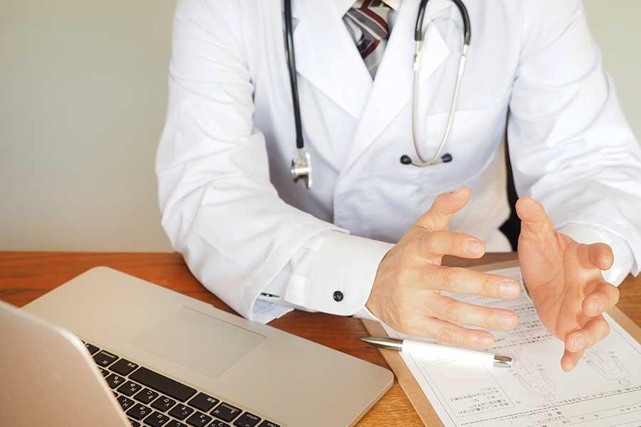 コロナ禍で苦境に立たされた医師たち。収入の変化について調査(写真はイメージ)【写真:写真AC】
