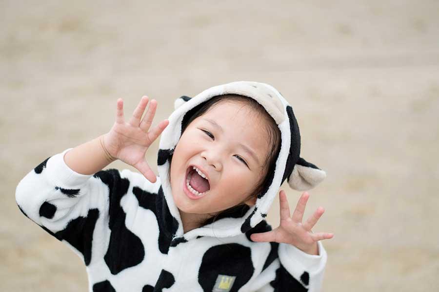 賛否両論の「年賀はがきの子ども写真」。それぞれの考えを聞いてみた(写真はイメージ)【写真:写真AC】
