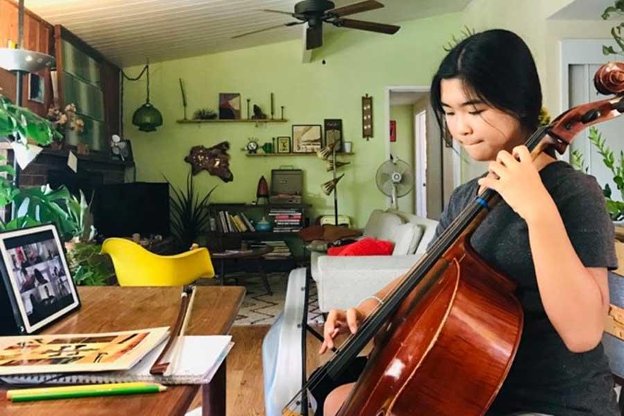 必修科目の音楽で、オーケストラに参加。長女はヨーヨー・マの影響でチェロを選択【写真:小田島勢子】