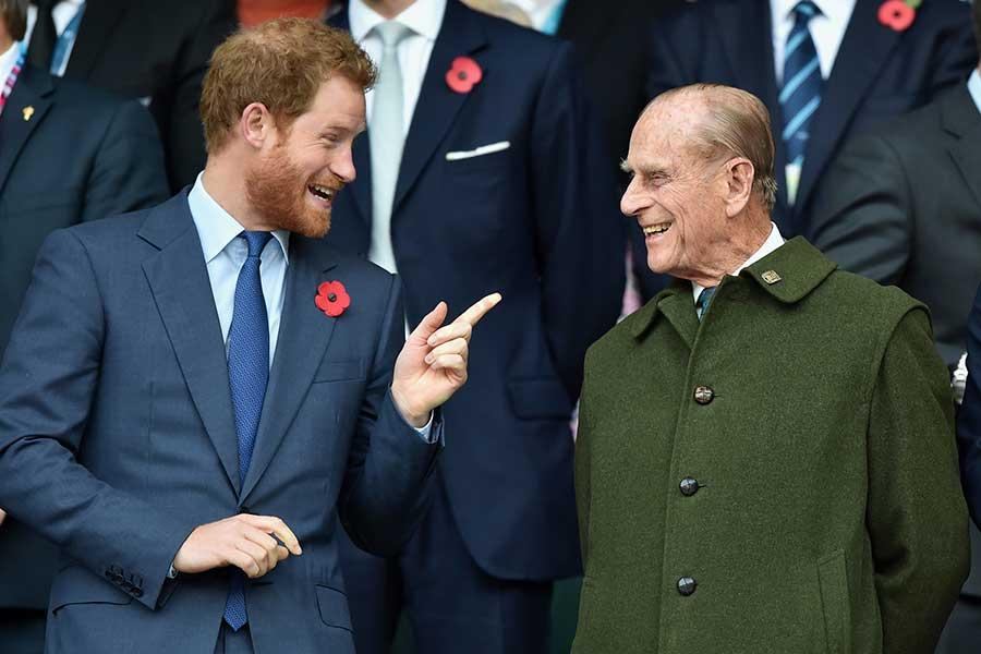 ヘンリー王子とフィリップ殿下。かつてはにこやかな様子も見られたが……【写真:Getty Images】