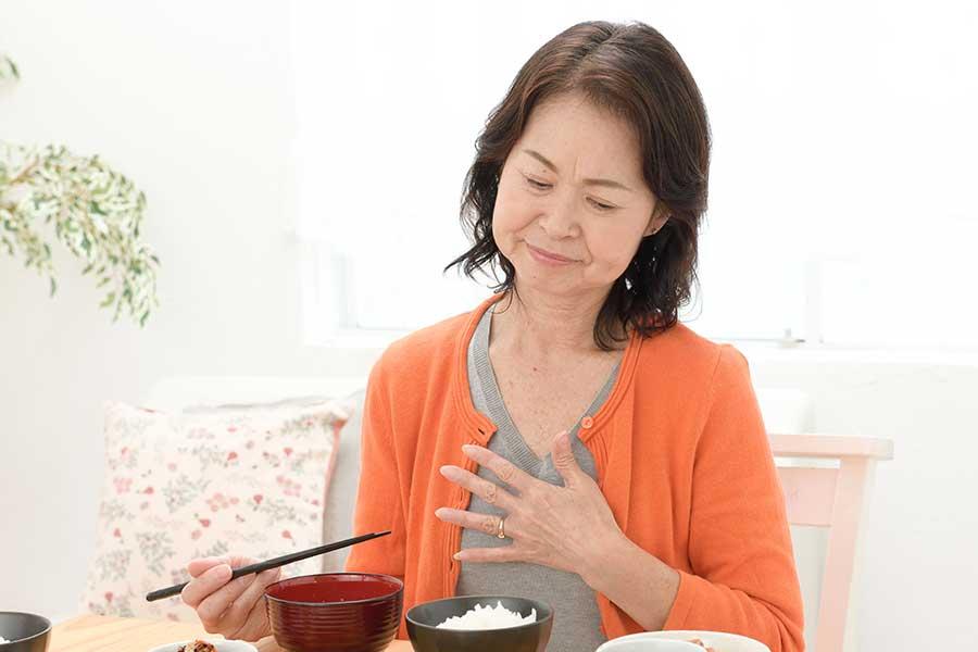 """""""コロナ胃痛""""になってない? 不調の原因1位はやはり「ストレス」 悪化しているとの声も"""