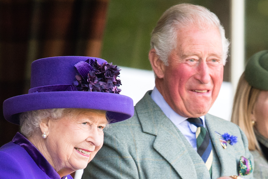 エリザベス女王とチャールズ皇太子【写真:Getty Images】