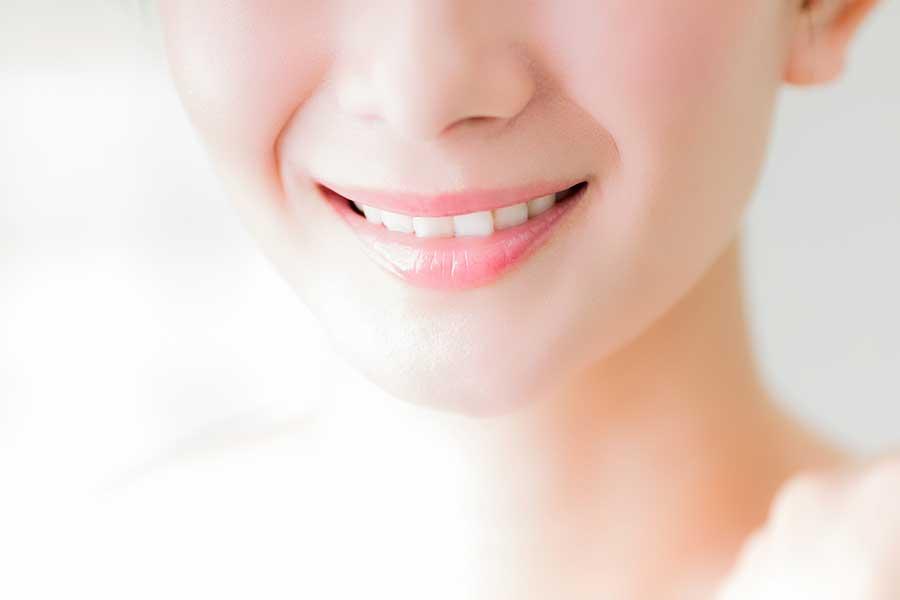歯の矯正にまつわるアンケートの結果が明らかに(写真はイメージ)【写真:写真AC】