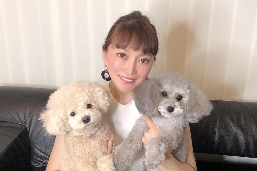 加トちゃん妻・綾菜さんが独白 志村けんさんの死に憔悴した夫を支えた2020年