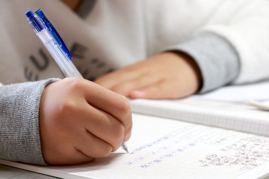 医学部合格に向けて小学生以下から受験勉強対策が必要?(写真はイメージです)【写真:写真AC】