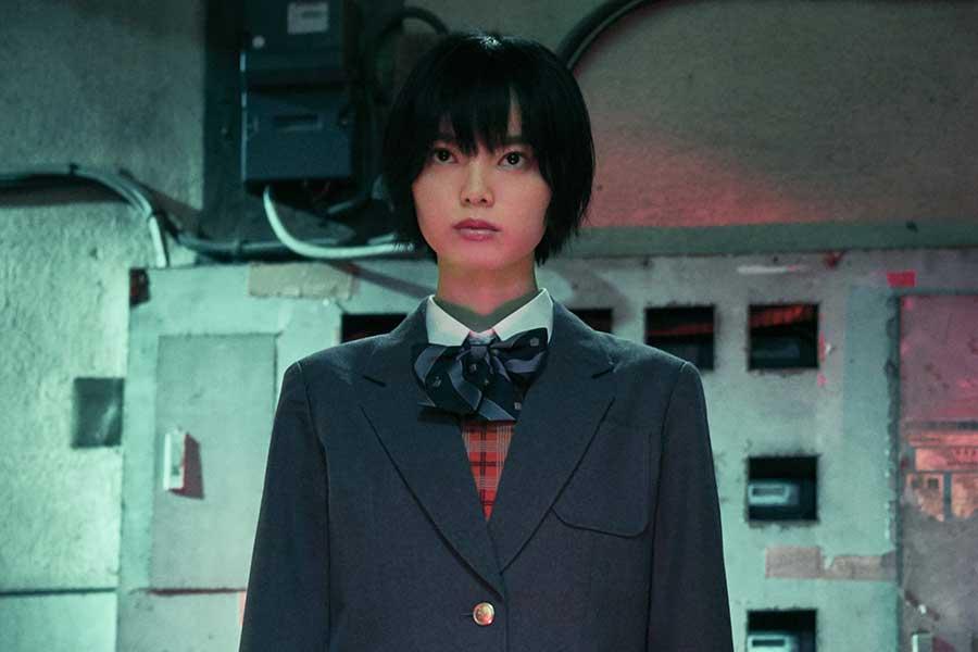 (c)2021映画「さんかく窓の外側は夜」製作委員会(c)Tomoko Yamashita/libre