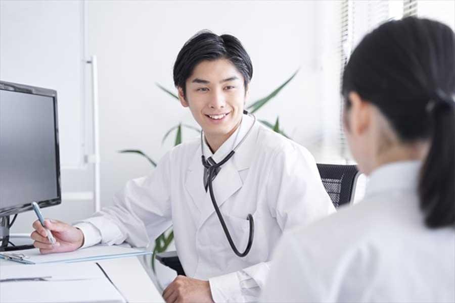 「医師と付き合いたいと思っていた」という人は意外にも少数だったことが明らかに(写真はイメージです)【写真:写真AC】