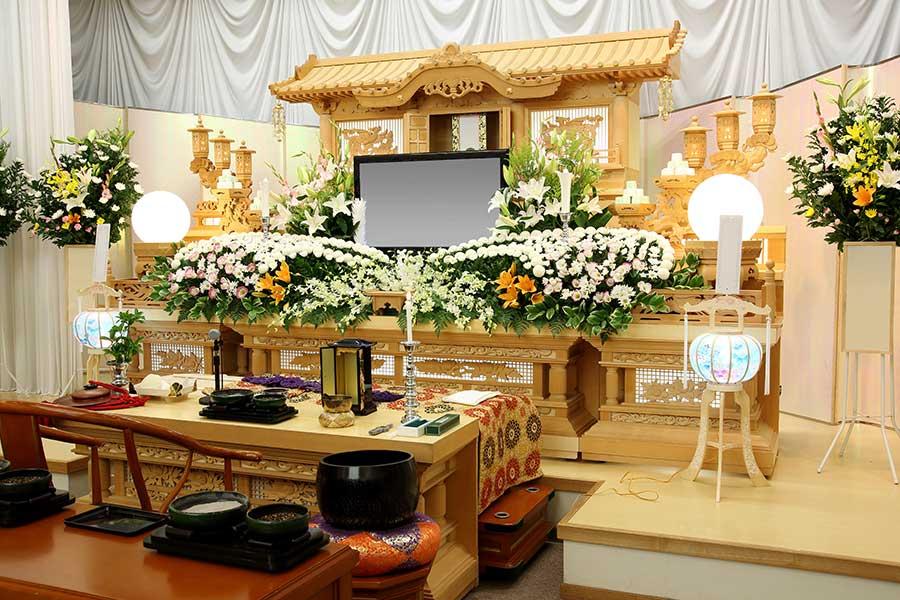 新型コロナで亡くなった方のお葬式は何が違う? 145社が答えたコロナ禍の葬儀事情