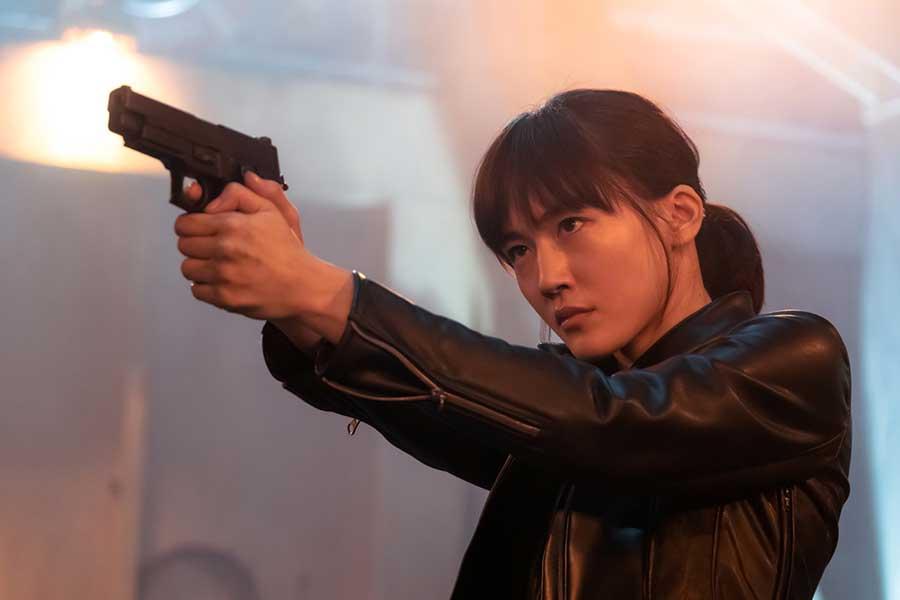 (c)2020映画「奥様は、取り扱い注意」製作委員会