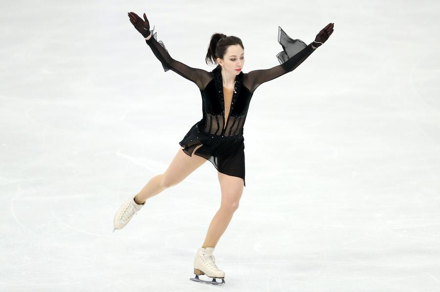 ブラックのシースルー衣装をチョイスしたエリザベータ・トゥクタミシェワ選手選手【写真:Getty Images】