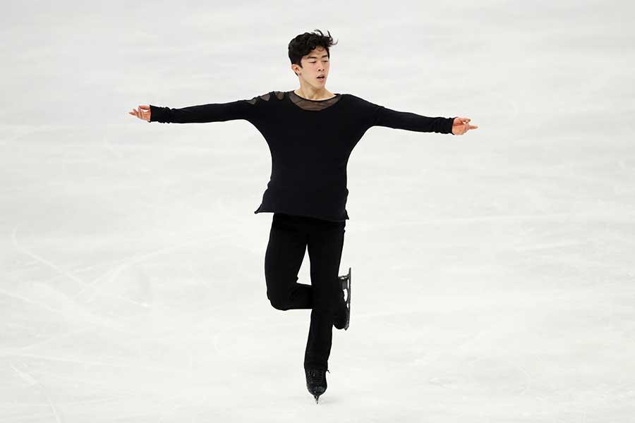 上下黒のシンプルな装いで登場したネイサン・チェン選手【写真:Getty Images】