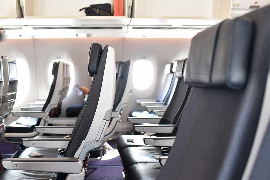 座席を倒す角度、どこまでが正解?(写真はイメージ)【写真:写真AC】