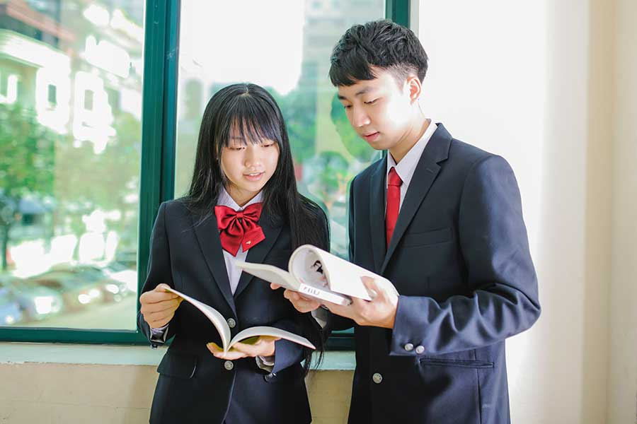 制服に関する調査で、世代間での意識の差も明らかに(写真はイメージ)【写真:写真AC】