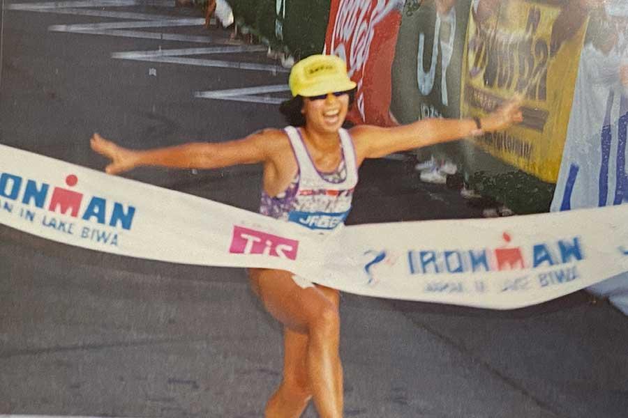 1992年、トライアスロン大会「アイアンマンジャパン IN びわ湖」出場時の様子。国内だけでなく世界大会にも多数出場した【写真提供:米倉恵美】